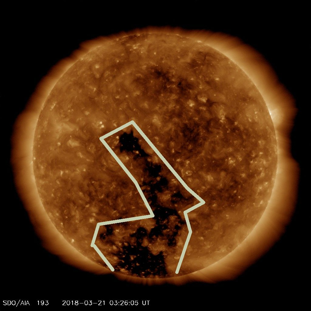 Southern Hemisphere coronal hole extends northward across the Solar Equator
